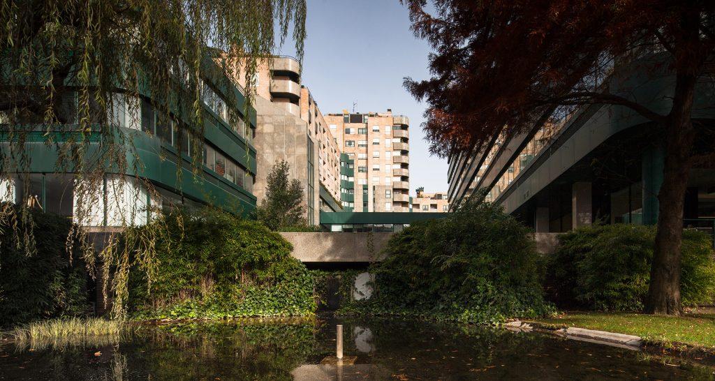 Apel, 1985 – 1995 <br>  Lago I Buildings